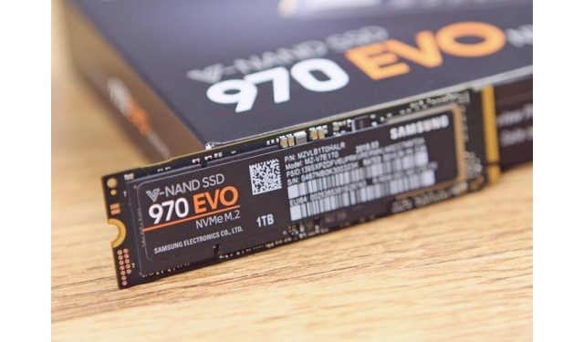 Твердотельный накопитель Samsung 1 Tb 970 EVO  M.2 2280 PCI-E (MZ-V7E1T0BW)