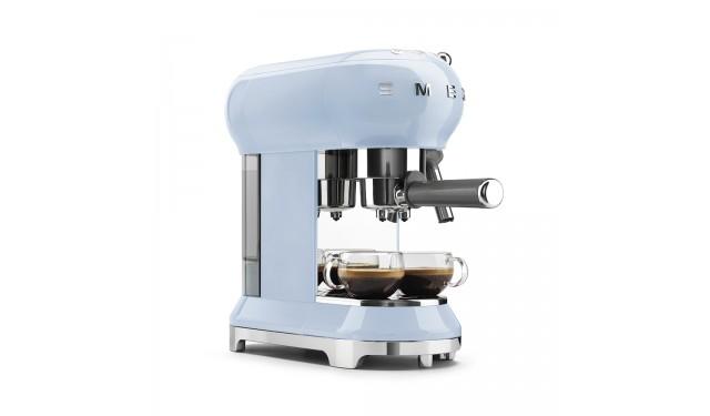 Кофеварка рожковая smeg ECF01 blue