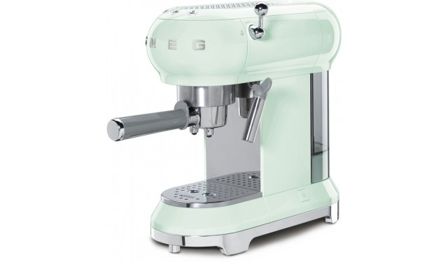Кофеварка рожковая smeg ECF01 light green