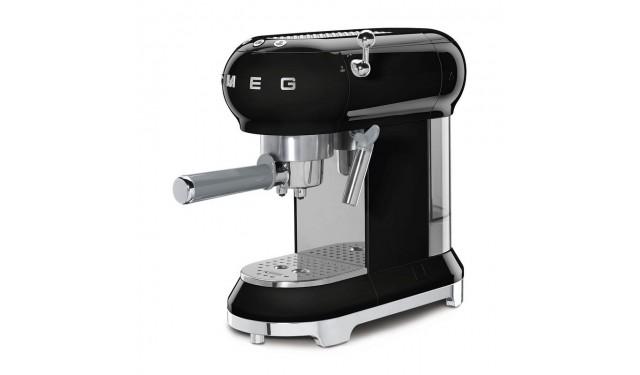 Кофеварка рожковая smeg ECF01 BLack